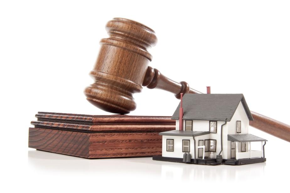 Justiça suspende leilão de imóvel por não cumprimento de cláusula contratual